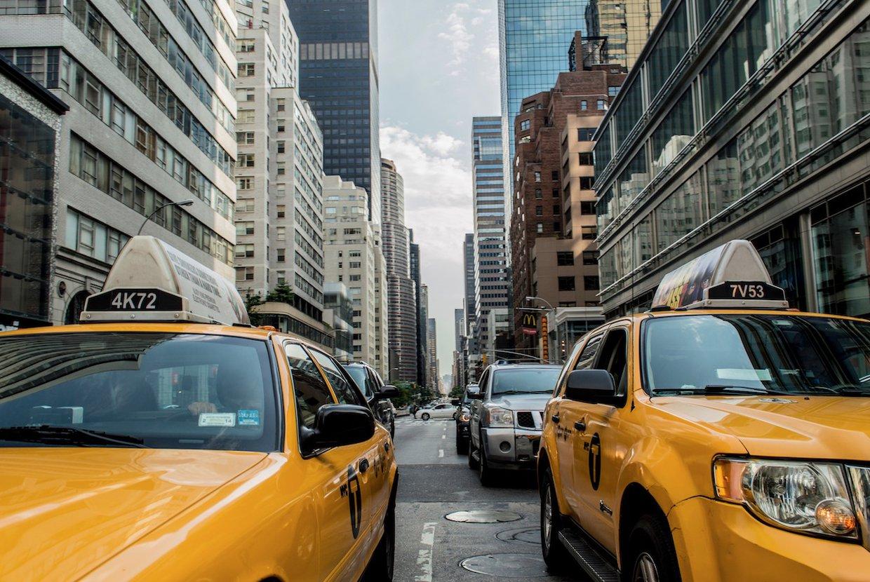 2019%2f12%2f10%2f16%2f29%2f56%2f859595e1 ecac 4c2c ada7 5a812f20d445%2froad traffic street car automobile city 808521 pxhere.com