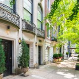 Lenox Hill Manhattan Townhouses in Spring