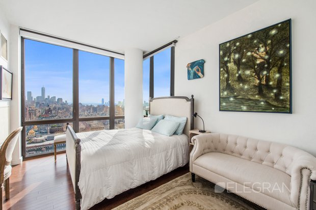 101 w 24th st bedroom