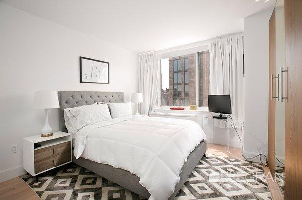 389 e 89th st bedroom