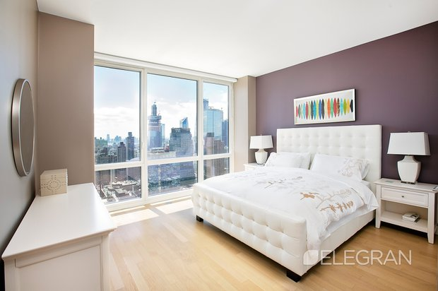 247 w 46th st bedroom