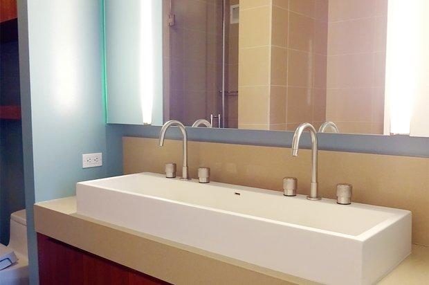 450 w 17th st bathroom